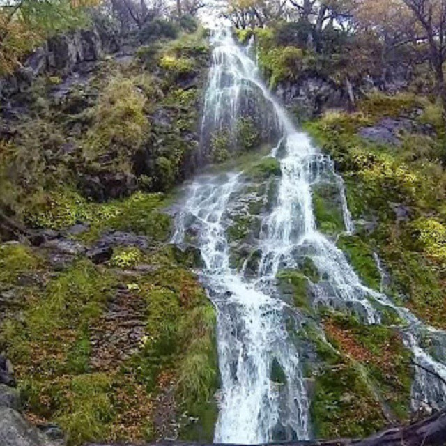 Cascada hacia el lago del desierto. (El Chalten - Santa Cruz). #argentina #antistress #all_my_own #igs_photos #ig_worldclub  #ig_all_americas #cascada #surargentino #nature #creacion #agua #naturaleza #gopro_captures #goproeverything #gopro3...