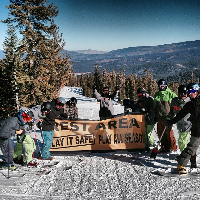 "Not that team #high5ives needed a ""rest"" today but we had a blast at the @skinorthstar Ski Challenge! The #epicmix ski race was awesome. ✋"