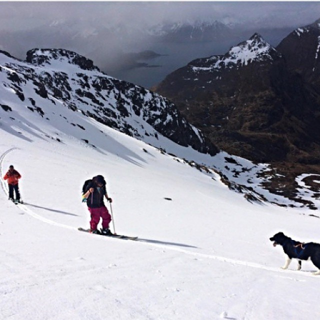A family outing in #Himmelstind. DPS Koala, @oloflarsson out for a tour with his dad, brother @nossraljon, and dog Kira.  @haglofsscandinavia #dpsskis #skiing #spring #dog