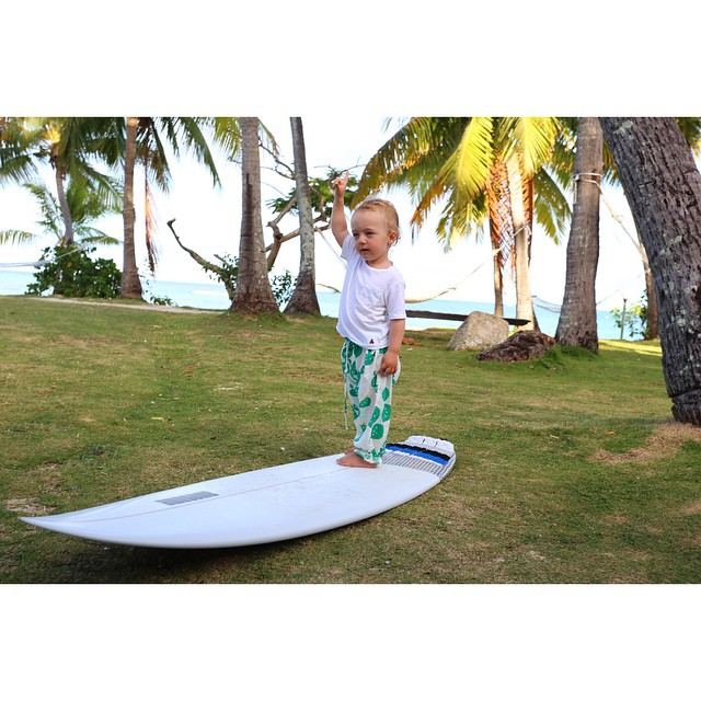 Little Leo practicing stand up barrels. OB 6'1, Fiji #awesome #awesomesurfboards #surfing #fiji #OB