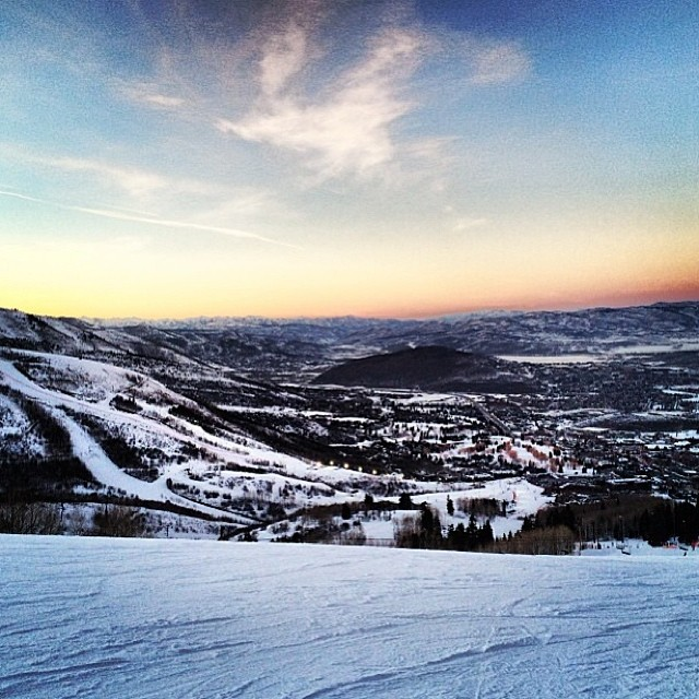 #Sunset laps @irideparkcity are some of the best. @timmygage Shred till dusk