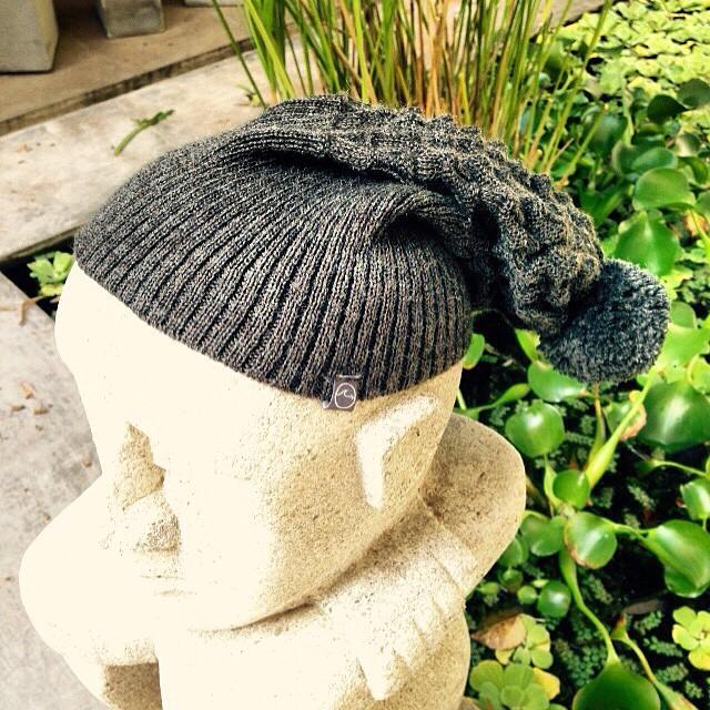 TREMENDOS los nuevos gorros de lana de #Underwave. Encargalos YA en www.underwavebrand.com, Facebook, Twitter o Direct! #FeelIt #Winter2015