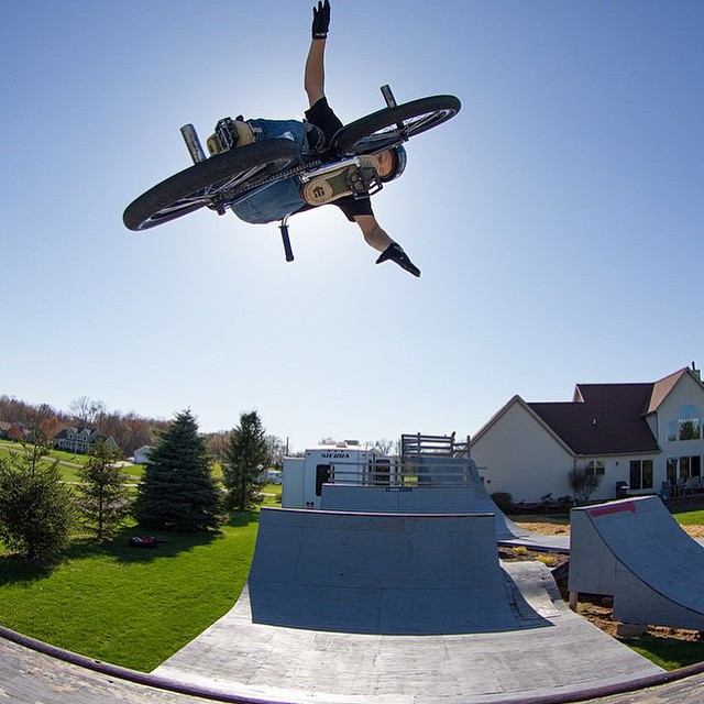Backyard sessions are in full swing at @marcus_christopher_bikes house!