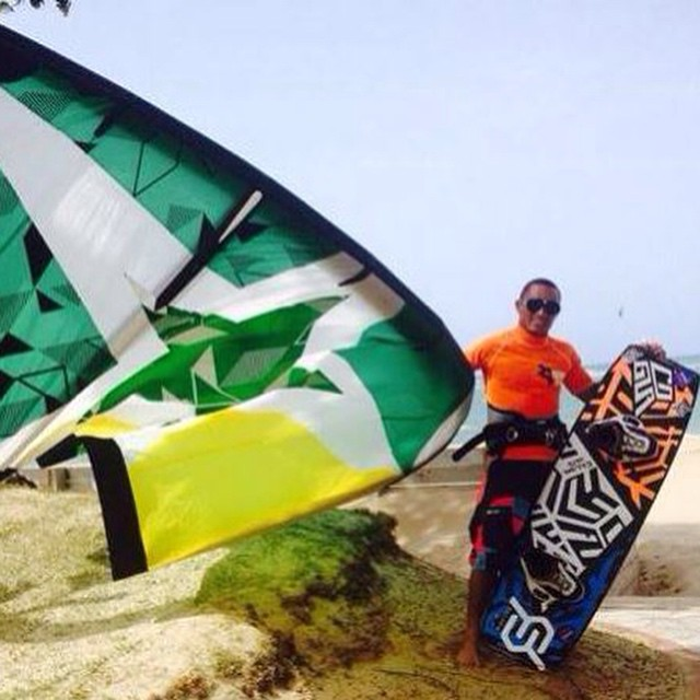Yeah Luis!!! @starkites @kitegirlsunited #kiteboarding #dominicanrepublic #cabarete #JustSendIt #kitesurf #cogua