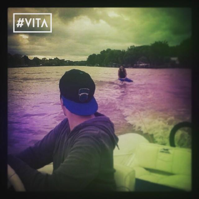 Uno de los últimos días de calor del año disfrutando del delta con @maximoglia !! #VITA #VitaCaps #LifeStyle #Autumn #Good #PicOfTheDay #BsAs #Argentina #Skate #Hats #Happy #Cold #GoodVibes #Vintage #Badge #Breakdown #MMXV #2015
