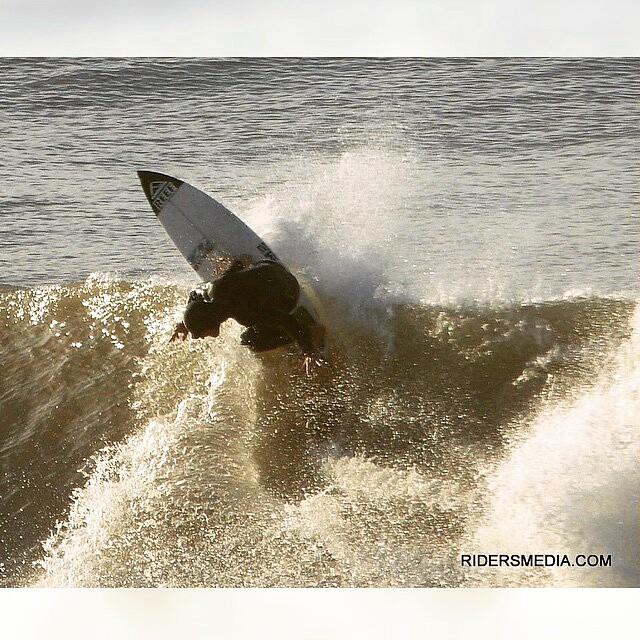 @mpasseri1 -  OTOÑO / MAR DEL PLATA / ARG  #surf #surfing #ReefTeam #ReefArgentina #justpassingthrough #LifeIsShortGoSurfing