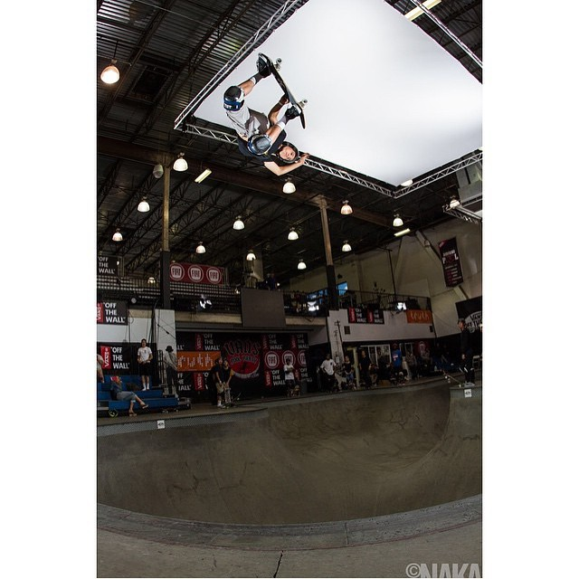 @sk8session is at the combi capturing the magic ! @austin_poynter blasting into the rafters . Austin wears the S1 Lifer Helmet . #s1lifer #skateboarding #vanspoolparty2015 #combipool #bowlrider #austinpoynter