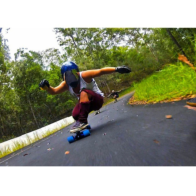 @skatebagels getting flowy down unda in Australia. #longboardgirlscrew #girlswhoshred #rachelbagels