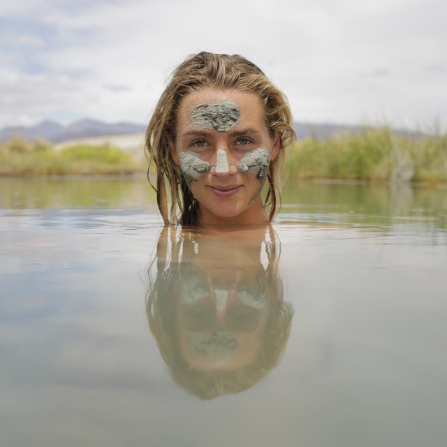 Trekked cross desert sands to the sweetest water, shot by @cyrus_sutton