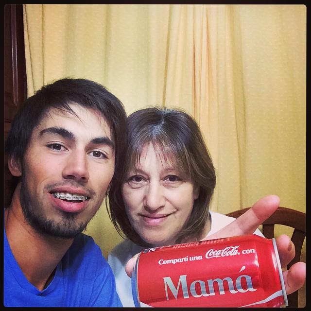 Hoy me tomo una Coca con #Mamá
