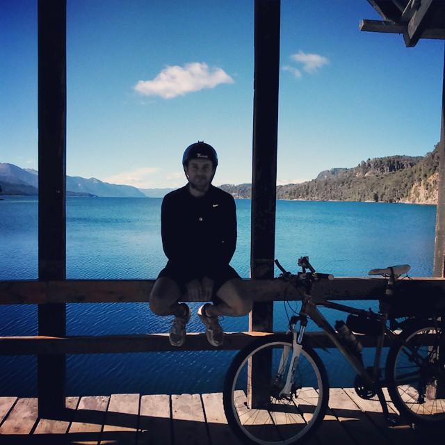Que se caaaiga, que se caaaiga!!!! Dale, Martaaa!! apurate que me caigo, vieja!  #BosqueDeArrayanes #Angostura #Bike #Cicloturismo #PoneleQueEsaJetaEsMía