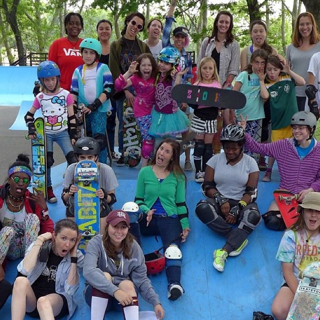 Happy #Sunday #funday! Hope you all find a great crew to session with! Here is the @girlsridersorg shredding riverside yesterday!
