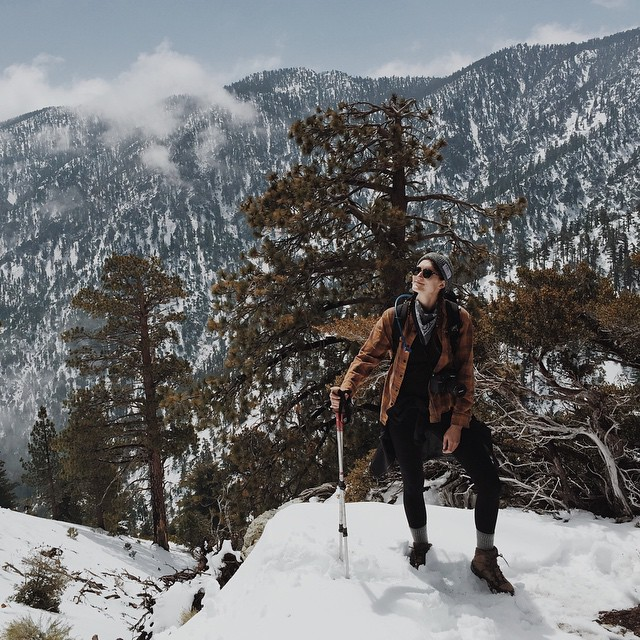 Hiking in SoCal looked a little bit different this weekend. Ambassador @shoestringadventures braved the snow in our Park Watchers Cap on Cucamonga Peak in the San Bernardino National Forest. Available at parksproject.us! #radparks #parksproject