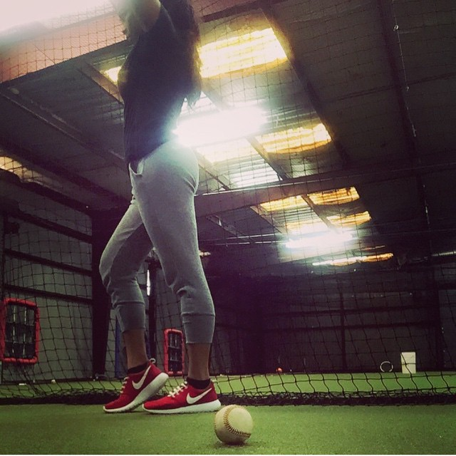 At the cages with @_iv326_. #untieyourroutine #lacesoutHICKIESin