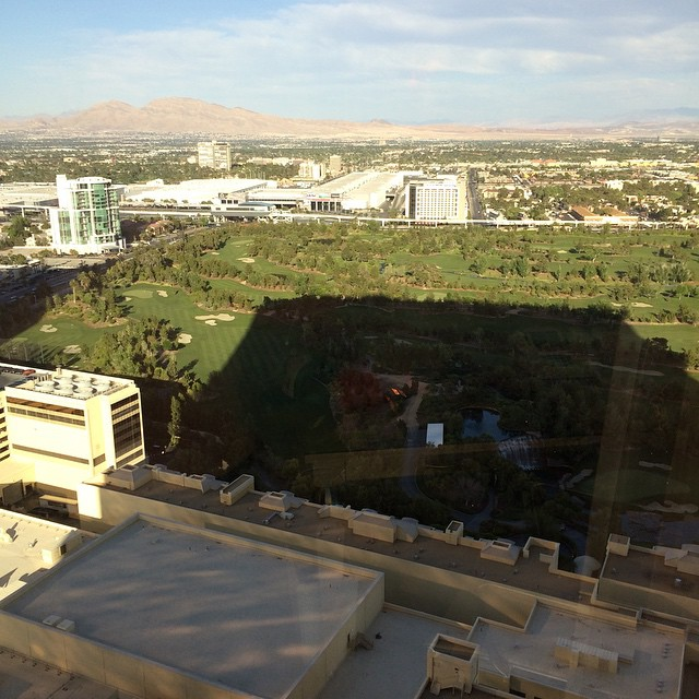 View from the baller rooms in the Wynn, Las Vegas. Thanks Jay! #lasvegas #uluLAGOON #staysthere #ballin #wynn #movingup