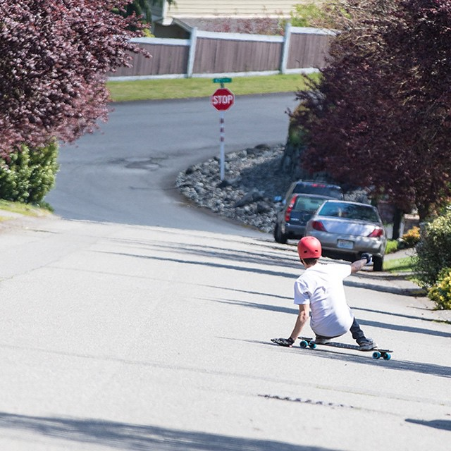 @snack_skates testing out the new Freeride DTX. Follow the link in our bio for more photos and specs. #freeride #freeridedtx #dblongboards #longboard #tacoma #skateeveryday