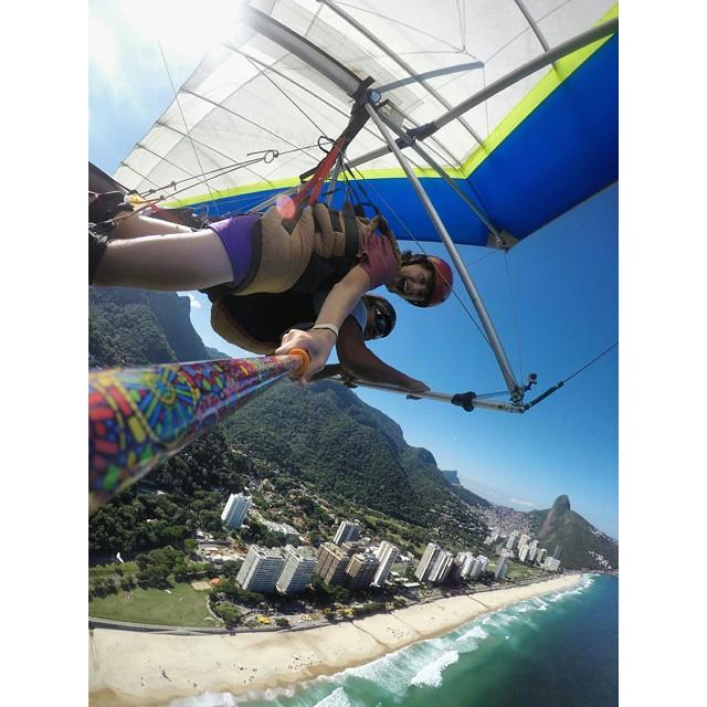 @franniell con su #ZephyrPole volando en la #BarradeTijuca #RiodeJaneirio !!