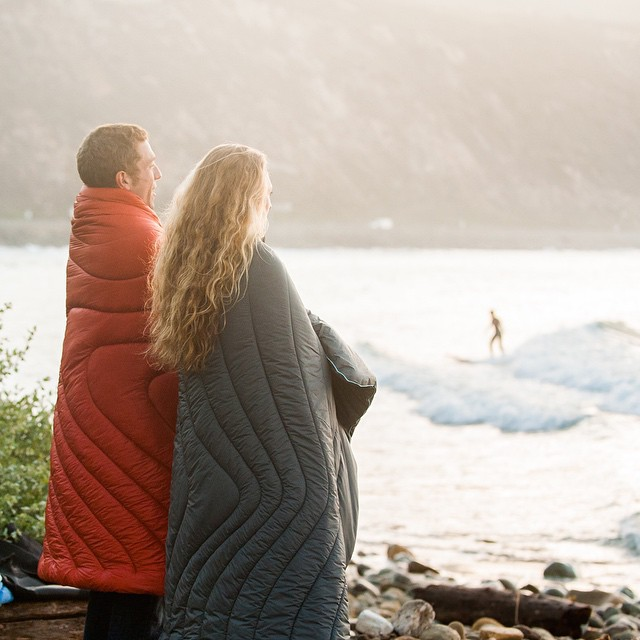 A.M. Surf check... When you know that's some chilly water. #staywarm #gorumpl ||