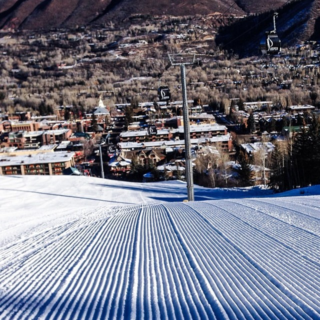 Corduroy laps on Ajax to kick off the day @aspensnowmass #xgames