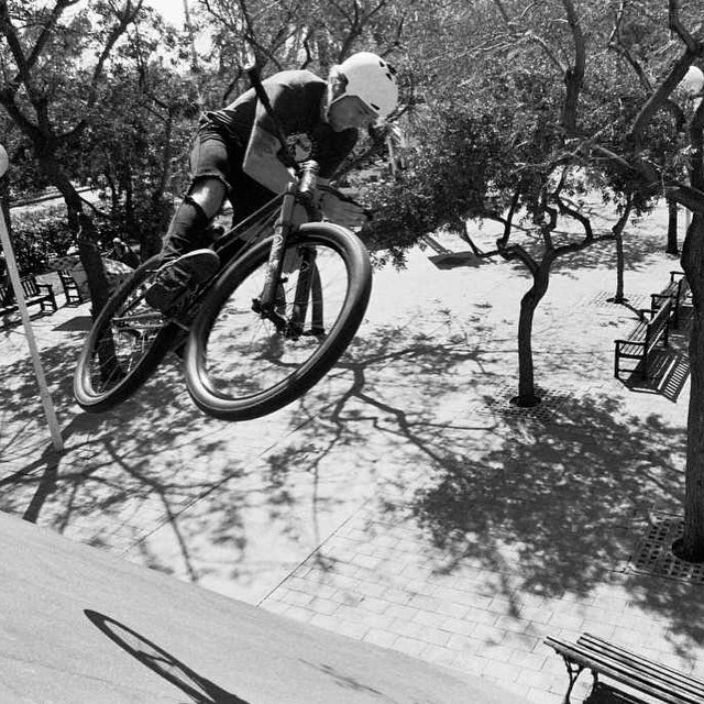 Here's another banger from the photoset that @BicycleNightmares just posted of @matt_macduff Barcelona trip.