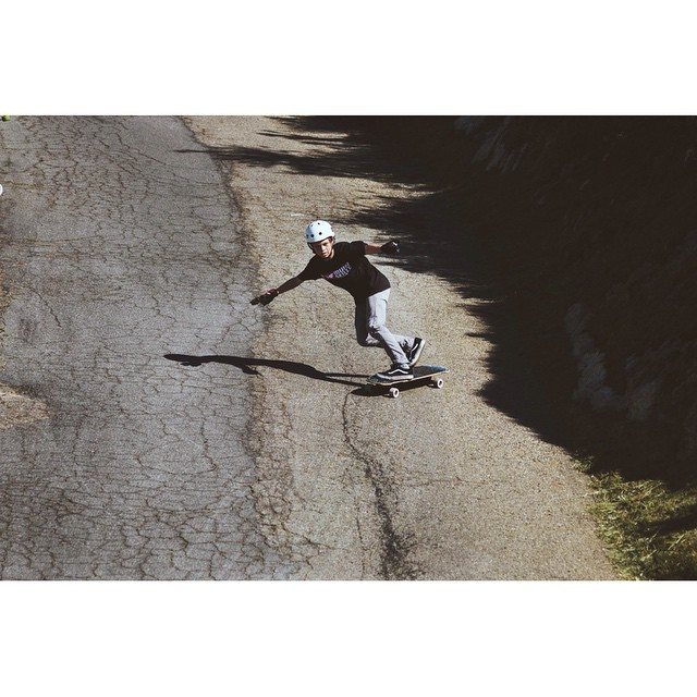@jasperohlson getting down a chunderous road in SoCal.