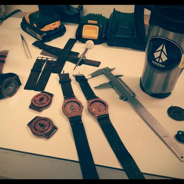 Trabajando lo que se viene #woodwhatches #sunglasses #woodworking #hechoamanoencordoba #handmade