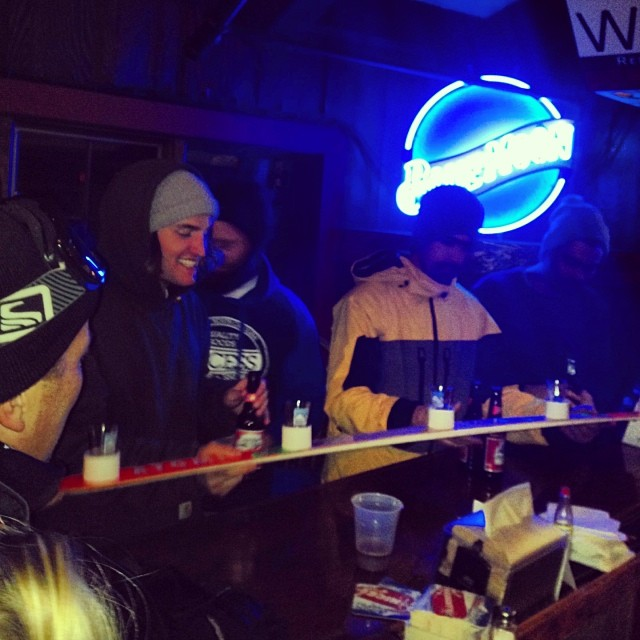@thetuckershow came home and surprised everyone! SHOTSKIs with the homies at @beechmtn Great weekend and fun contest with @burtonsouth #stzlife #shotskis #bullmtn #dontgochangin #professionaloutsider #happyshredding