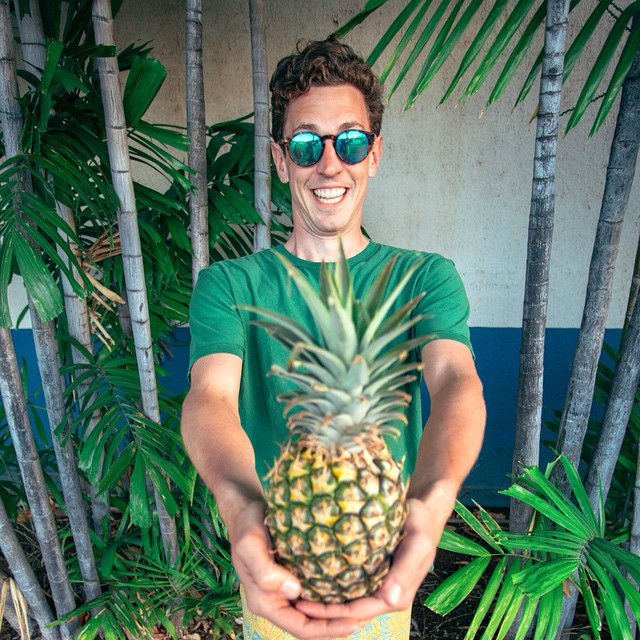 Happy Thursday. Here's a Pineapple!