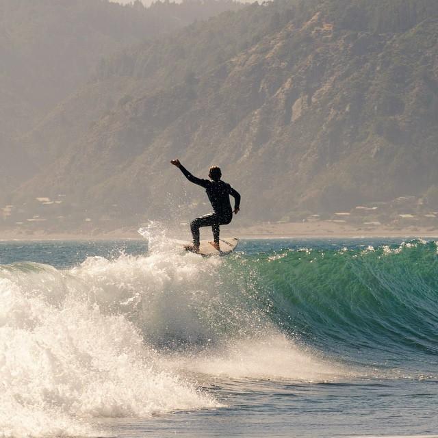 Floater de @nachogundesen en Puertecillo (Chile). Para ver el álbum completo del viaje de Nacho tienen que entrar en nuestro Facebook (vans.arg) o Tumblr (vansargentina)