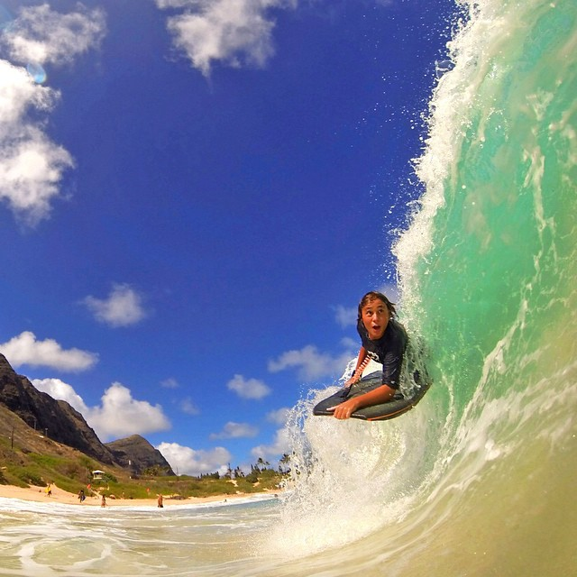 Dropping into some Hawaiian shorebreak! Photo: Justin Munos #gopro #gopole #gopolebobber #hawaii