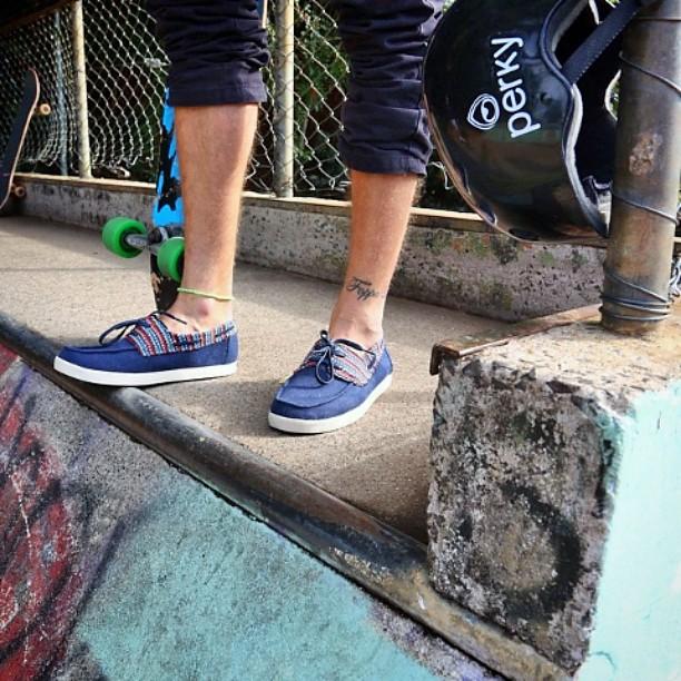 Viernes!!! Arrancamos el finde largo y Perky te acompaña ese camino #perkyporahi #friday #finde #shoes #skate #perky #long #longboard #mdq