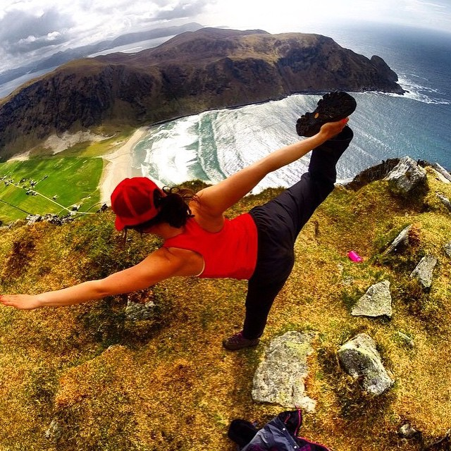 Surfer girl stretch... @insta_susi in her awesome homeland ||