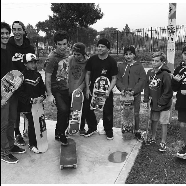 Goodfellas @sandromoral y la banda de Zárate #VolcomSkate #TrueToThis