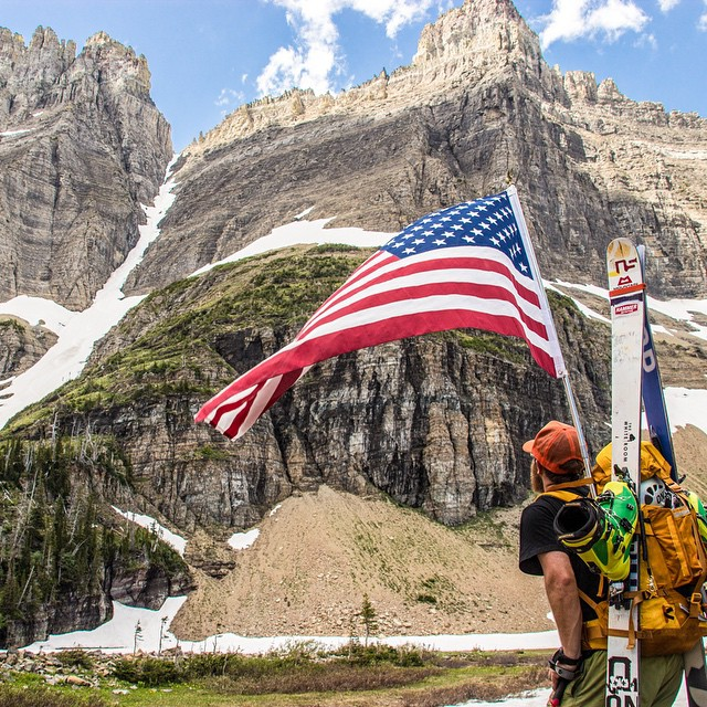 @davidpowdersteele taking a breather in Glacier National Park. Hope everyone gets to spend some time outdoors this Memorial Day! pc: @mykehphoto #getoutthere #adventureworthy #memorialday #usa