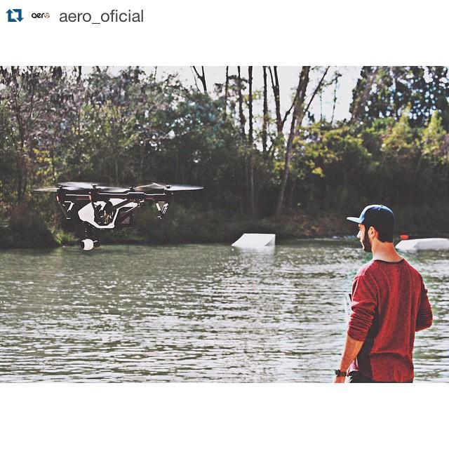 #Repost @aero_oficial with @repostapp. ・・・ @lucmicillo de @aero_oficial bien rad con su #EDGE filmando unas tomas de wake en el park