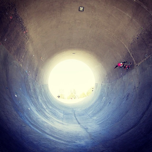 Can you spy @pinkhelmetposse 's @bellatreas_kenworthy ? This tiny shredder is going beyond vertical in a huge full pipe! #ladiesofshred