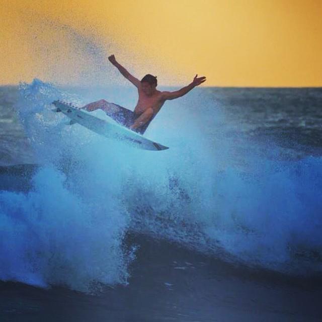 A burst of Summer behind #flowfold Ambassador Nick Power. Photo by @niko_soikkeli