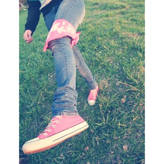 Attitude UR #style #bandana #pixel #urban #urbanlife #jeans #converse #pink