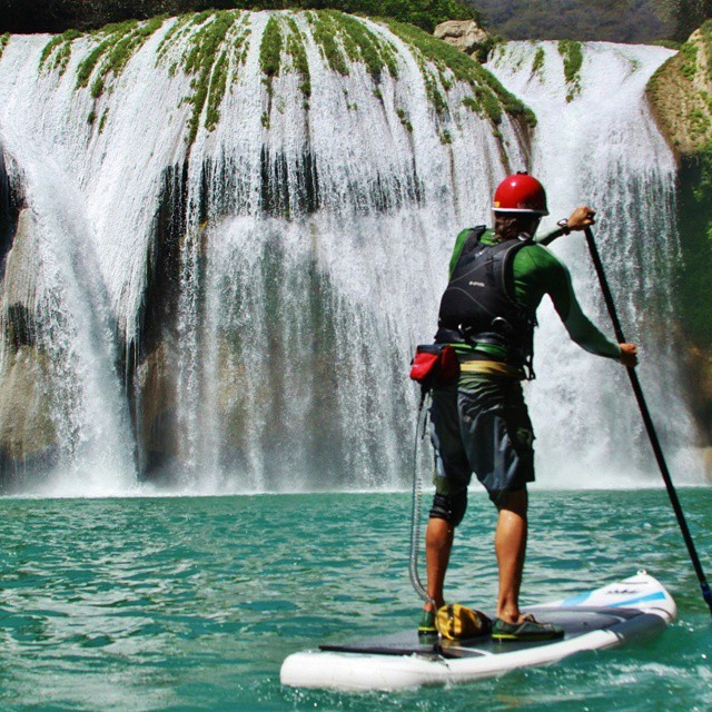 Happy #waterfallwednesday compliments of @supmexicoaaron!  #tdub