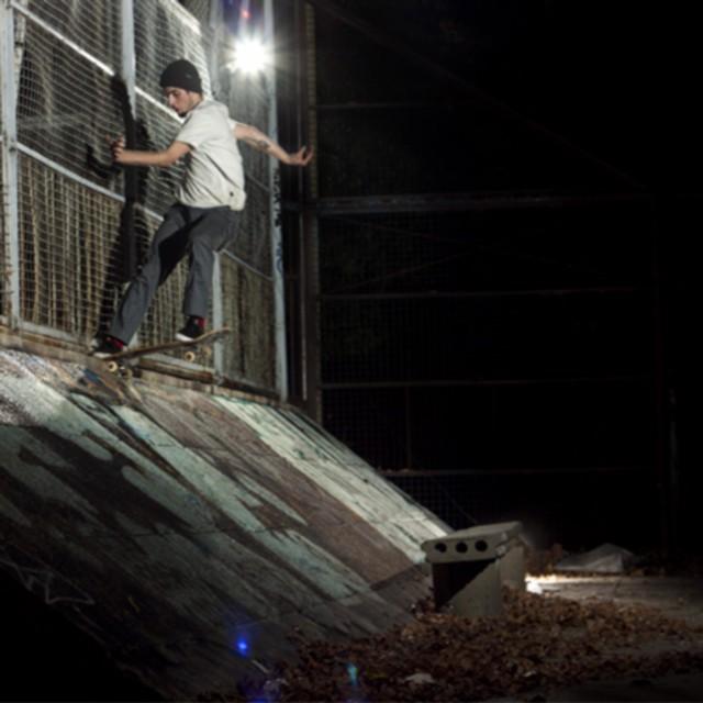 @tucadepucho, bs tailslide nocturno #WalkFurther