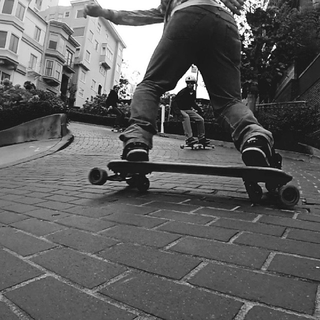 Lombard crotch shot #Freebord #Snowboard the streets