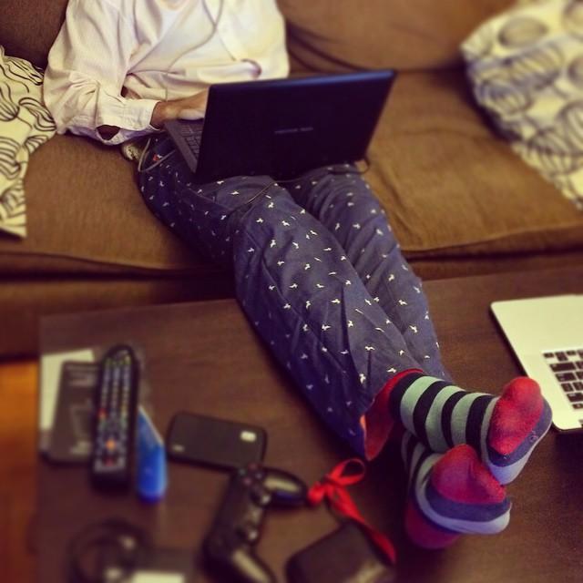 Home-office literal > camisa de office + #DomingosConOnda de home y las #MediasConOnda van siempre