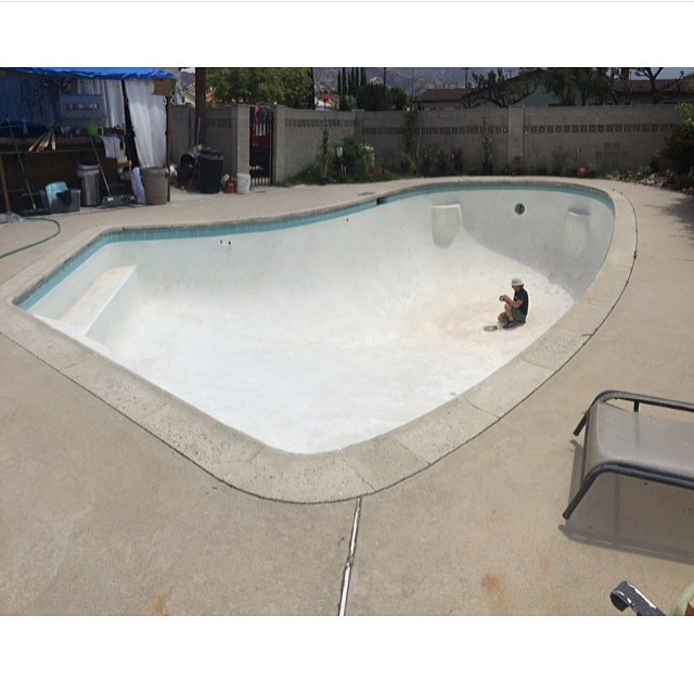 Regram @tristanrennie #emptypools