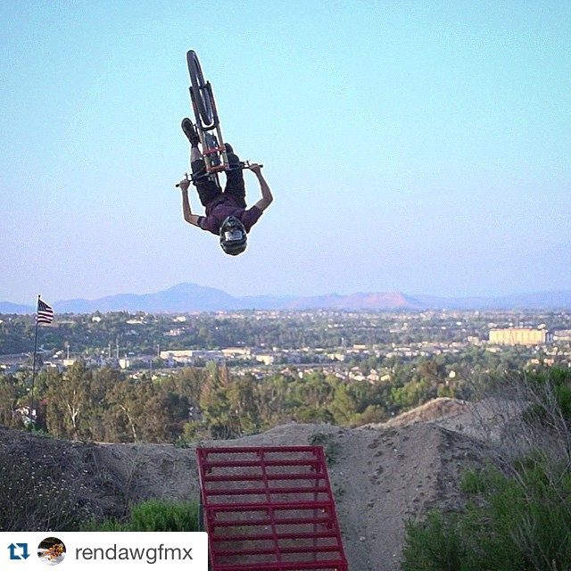 #Repost @rendawgfmx  It didn't take long for @nate_renner153 to put the @freshpark ramp through its paces... The kid ain't skerd, that's for sure. @looseprogram