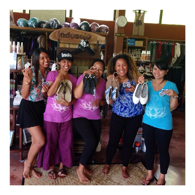 Staff training in Ubud today! The gals at @theyogabarn are so sweet. ☺️ Congrats to Ayu, who won an #IndoHat for answering the most quiz questions correctly