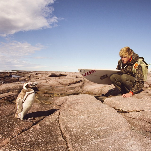 @julianiturralde | surfista del #TeamVans y encantador de pingüinos