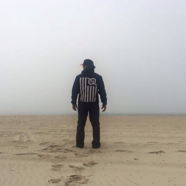 #kiteboarding #waitingforthefog #masskiting #beach #morning #JustSendIt