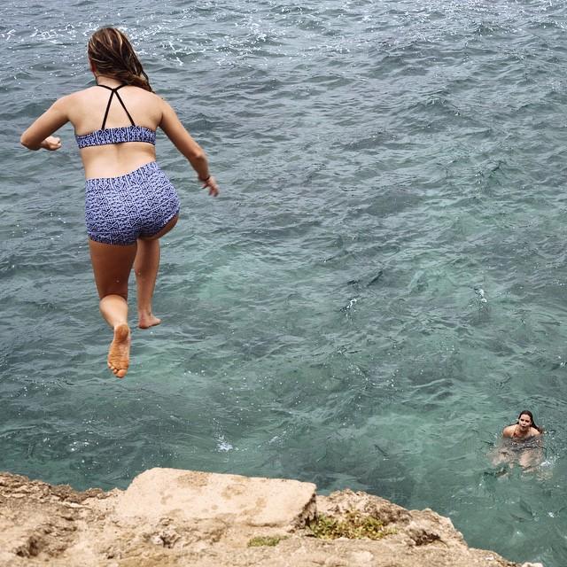 @haalliiee free to jump in the #seeapavones bottoms and #seeacapitola top in black Porto