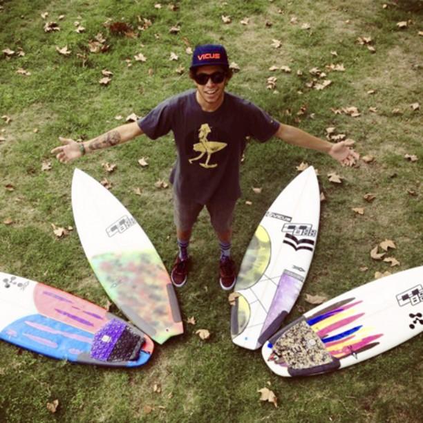 @nicolascarvalhoo  arranca la semana asi: Con su quiver preparado para su próximo tour de #Surf