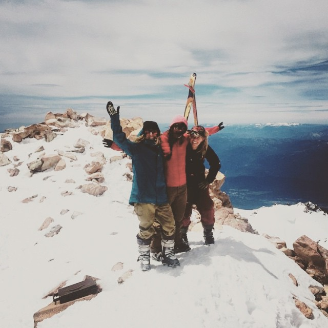 A belated #HBD rad pal @yaaaaddie. An above average party atop #mtshasta with a hand full of her favorite pals. Good job team! #sisterhoodofshred #tahoemassive #backcountryskiing